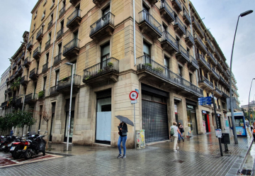 Pop-up space in Carrer Pelai